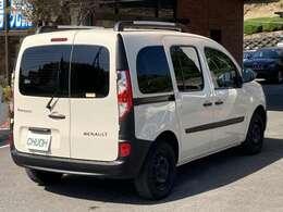 地デジナビやマルチルーフレールなど装備充実です。トランク内装はウッドパネル装着車です。(詳しくはトランク内装写真をご覧下さい)