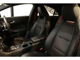 綺麗な状態が維持されたレッドステッチ入りブラックレザーシートを設定!メモリー機能付きパワーシート、前席シートヒーター、ランバーサポートなど多機能設計でカーライフをサポート致します!