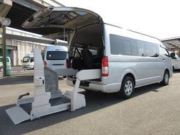 トヨタ ハイエースコミューター Dタイプ ワイド福祉車両 車イス4台固定 6AT