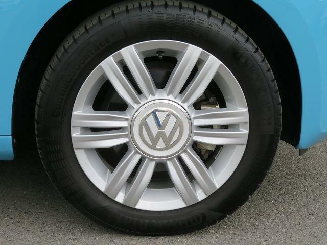 18555R15タイヤ5.5J×15アルミホイールを装着。high UP! 専用20本スポークのアルミホイールです!