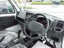 Wエアバック、ABS、エアコン、パワステ付き♪未使用車なので、室内に気になる臭いもありません♪