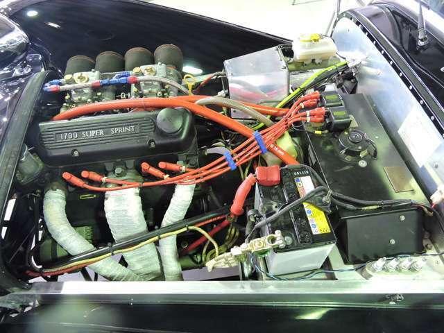 美しいエンジンをご覧ください!