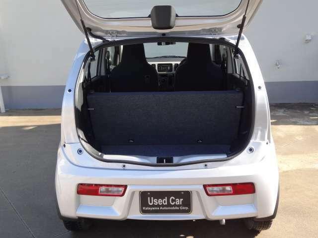 中国運輸局指定民間車検場にて国家技能資格を取得した整備士が 高い技術を持って皆様のお車を整備いたします。 普通車・大型・特殊車両など全ての車種に対応いたします。