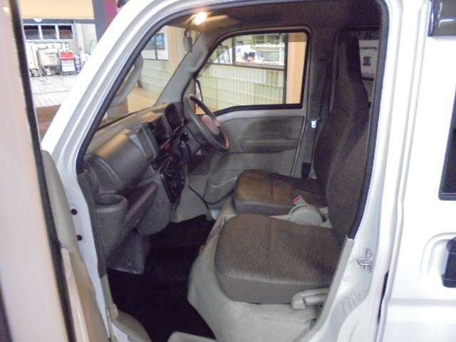 当店の車はすべて納車時に自社整備工場で点検を行っております。さらに、全車安心の保証付き!納車後のアフターフォローもお任せください!無料通話【0078-6002-783580】