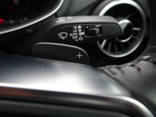 ●ステアリングパドルシフト『クイックなシフト操作が可能!レスポンスが高く、あなたのギア変則にしっかりとついてきてくれます!お車と一体となれる装備です。』