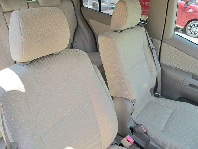 毎回座るフロントシート。運転席は常に使用するパーツですので、座り心地が重要です!