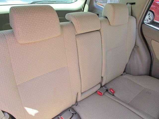 破れやシミなどなく、きれいな状態のリアシートです。是非一度確認してください!ご家族・ご友人大切な方が座るリアシートです。リアシートの座り心地もご確認ください。