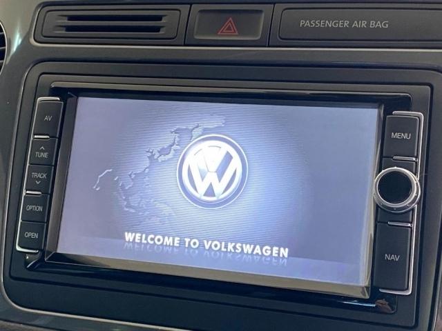 VW純正ナビ!フルセグTV&CD/DVD&Bluetooth機能に付いております!