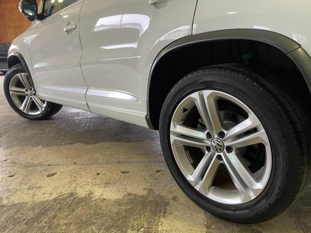 足元には、VW純正の18インチアルミが装着されております!