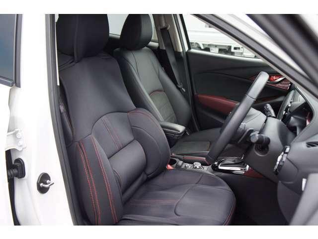 フロントシートは心地よいフィット感で快適にドライブを楽しんでいただけます。運転席、助手席共にシートヒーター完備で寒い日も快適なドライブ楽しめます♪