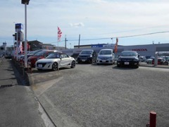 店舗東側にはHonda U-CARを多数取り揃えております♪ お気軽にご相談お待ちしております♪♪