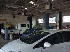 指定工場完備しております。ご購入後のアフターメンテナンスや車検などもお任せ下さい!安心できるカーライフをご提供致します。