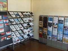 当店では中古車販売だけではなく、各メーカーの新車も取り扱っております。