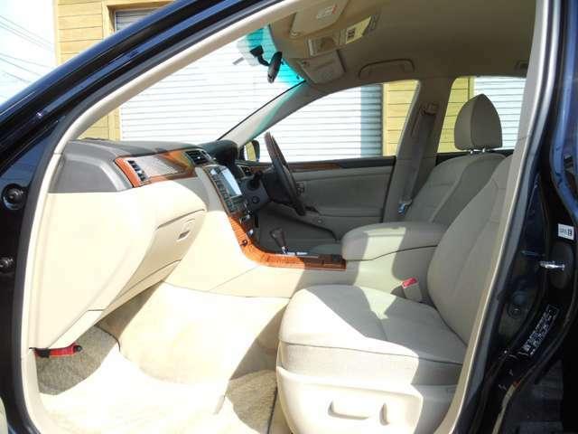 内装とても綺麗です!目立つ傷や汚れもなく、シートの状態も良好です!