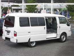 レギュラーガソリン仕様 タンク容量62L 全長×全幅×全高4690×1695×1960mm