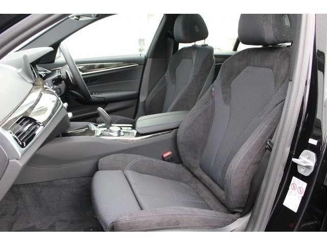 BMWでは、人間工学に基づき、長時間運転しても疲れにくいシートに設計しております。