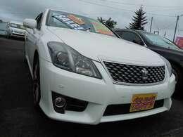 スマートキー・ETC・HIDライト・フォグランプ・ABS・サイドエアバッグ・横滑り防止装置付。
