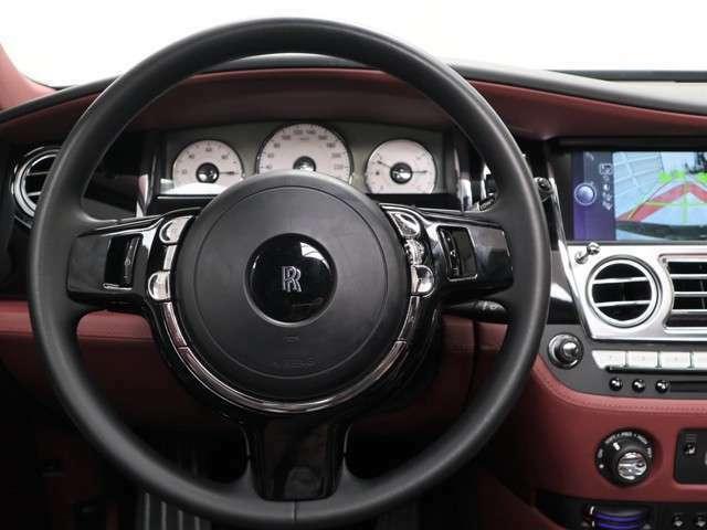 ロッソアーラの厳選さえたこだわりの車両の中から、新しい愛車をお選び下さいませ。