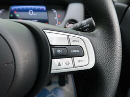 【ホンダセンシング】高速道路での渋滞や単調な巡航走行において、ドライバーに代わってアクセル・ブレーキ・ステアリングを制御してくれる運転システムです♪