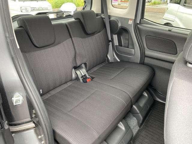 軽自動車でも、後部座席はゆったり!!!