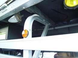 ■熊本国道3号線沿いに2t、4tトラックの展示場がございます!!大型トラックも取り扱っています。自社にて架装・塗装・改造・いたします♪