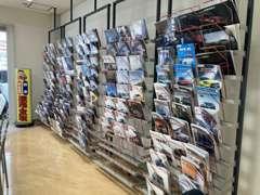 自社の整備工場もございます。納車前には、納車前点検をきっちり行います。