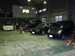 ♪認証修理工場♪外車から国産までプロの整備士がしっかりメンテナンス致します♪基本的にどんなお車でも対応致します♪