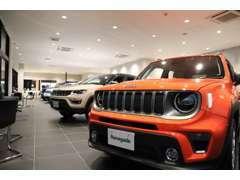 Jeepのことをより知って欲しいと思う熱い心のセールスコンサルタントが、お客様のご来場をお待ちしております!