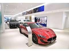 新車ゾーンには常時7台の車両を展示。