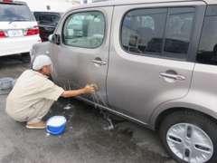 洗車とコーティングを同時にするスパシャン始めました♪軽で2000円~、普通車3000円~出来ますので是非一度お試しください♪