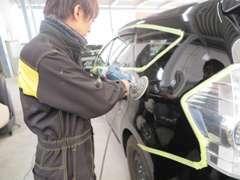 塗装後の車両は鏡面仕上げにてピカピカ♪弊社の品質を一度ご確認下さい!仕上がりには自信があります!