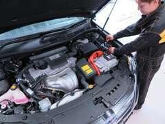 国家整備士によるきめ細やかな整備にてご納車します。ハイブリッドからLPGエンジンまで整備のことなら当店へお任せください!