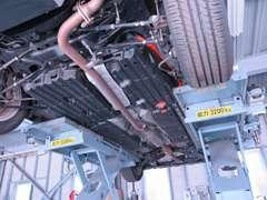 タクシー車両、ハイブリッド車両の整備、メンテナンスは当店へお任せください。LPG車販売台数累計5000台以上の実績があります!