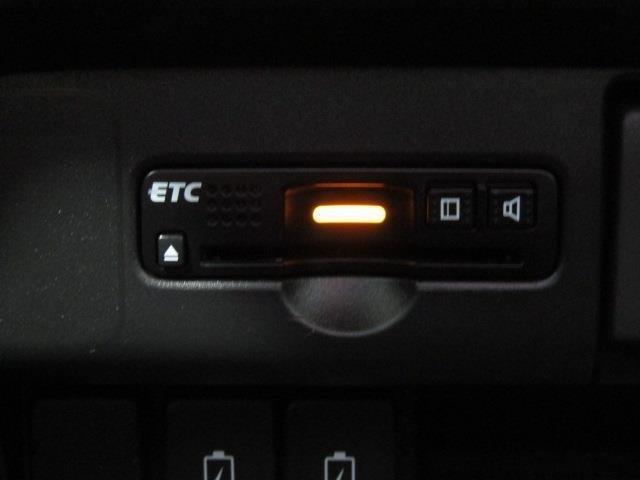 ETC付きです。サービスエリアのスマートインターチェンジからも乗り降りも出来ます。当社ではETCセットアップも承っております。お気軽にスタッフまでお問い合わせください。