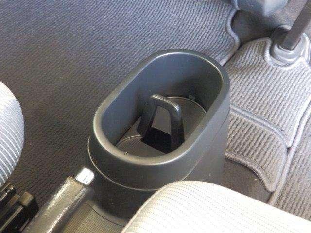 ドリンクホルダーはドライブには欠かせないアイテムですね!