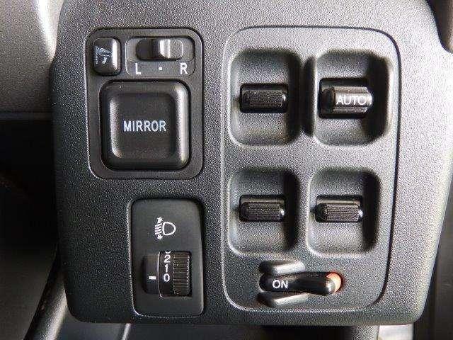 各種スイッチ類もまとまっていて使いやすいですよ♪