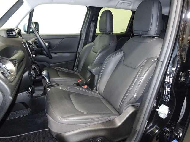 大切なマイカーの万が一に備え、ドライブレコーダー等付属品もご提案可能です。