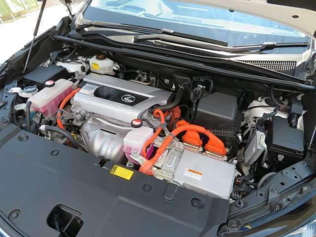 走りに余裕のあるエンジンはパワフルで低燃費です。