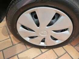 【タイヤ】車もオシャレは、足元から!!車のデザインを損なわないホイールが装着されています!!!