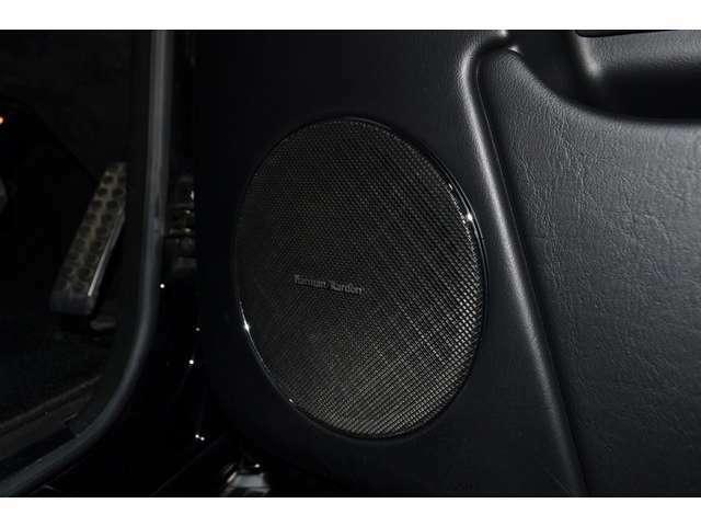 ハーマンカードンロジック7サラウンドサウンドシステムを搭載しておりますので、音質も良く綺麗なサウンドをお楽しみ頂けます!
