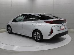 駐車場などにおけるアクセルペダル踏み間違い時の衝突被害軽減に寄与する先進の安全機能「インテリジェントクリアランスソナー」が装備されています。