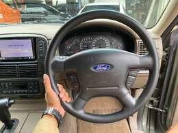 フォードといえばエクスプローラー!国内外でも人気のSUVです