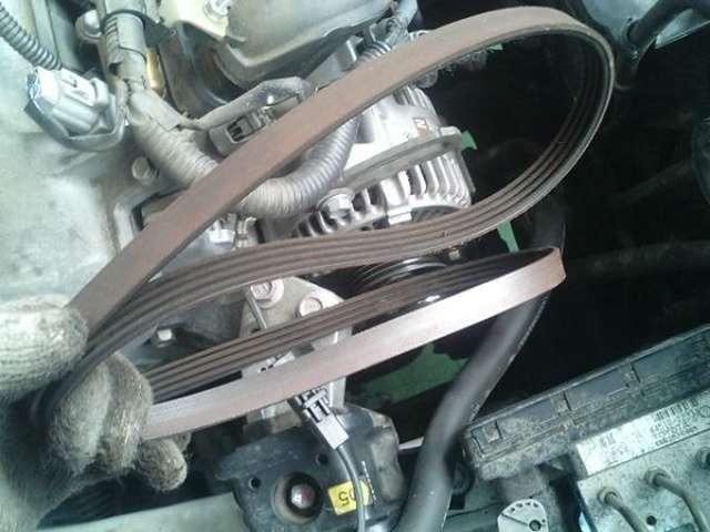 Aプラン画像:エンジン始動時にキュルキュルと音が鳴る事はありません!定期交換部品の補機ベルトも資格を持った整備士がしっかり交換致します!