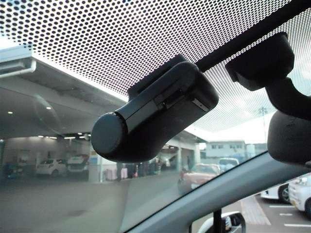 【ドライブレコーダー】 万が一の時あると心強いドライブレコーダー! 急ブレーキ、急ハンドルが起こった際 記録されます。