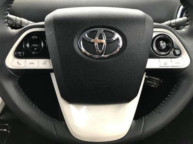 【ステアリングスイッチ】オーディオの操作ができますので、運転中でも簡単操作可能です!