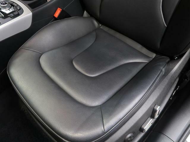 ●助手席側シートの使用感:破れ・へたりもなく、ご覧の通りきれいな状態を維持しております。また、室内クリーニング・コーティングもご用命いただけます。