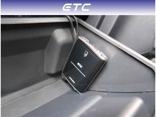 【ETC】ETCが付いていますので高速料金所もスムーズに通過が可能です。