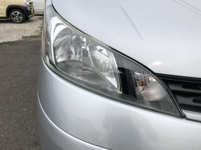 納車前にはヘッドライトクリーニングとコーティング施工をして納車しますので、ピカピカのヘッドライトでご使用いただけます☆