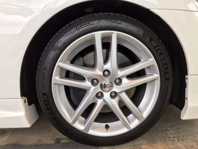 タイヤも新しく交換せずともまだまだお乗り頂けます。 皆様のご来場・お問合せをAishaスタッフ一同心よりお待ちしております。