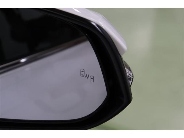 ブラインドスポットモニター(BSM)搭載車です。車線変更時に隣の車が死角で見えない場合、ウィンカーを出すとドアミラーのインジケーターが光って点滅!危険を知られてくれます。